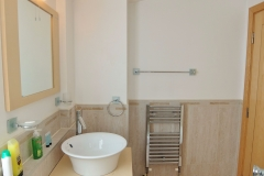 16 ensuite bathroom Hampton Court 3 bed penthouse