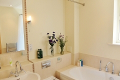 4 Hampton Court two bed bathroom main
