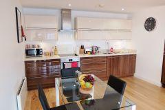 1_1-kitchen-diner-Ruislip-serviced-apartments-HA4-8QH