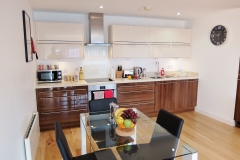 1 kitchen diner Ruislip serviced apartments HA4 8QH