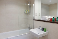 15 main bathroom Ruislip serviced apartments HA4 8QH