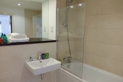 4 bathroom ensuite Ruislip serviced apartments HA4 8QH