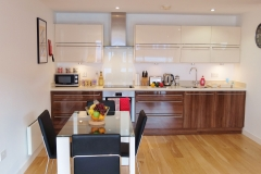 5 kitchen diner Ruislip serviced apartments HA4 8QH