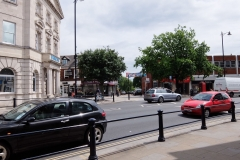 18 front entrance view central Twickenham serviced apartment TW1