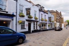 23 Twickenham Church St, Eel Pie pub, 2 min to King St