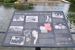 30 Twickenham riverside Eel Pie Island sign, 2 min to King St