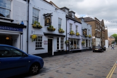 24 Twickenham Church St, Eel Pie pub, 2 min to London Rd