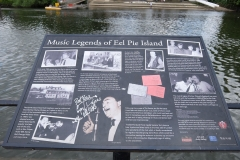 26 Twickenham riverside Eel Pie Island sign, 2 min to London Rd