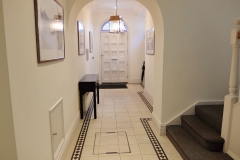 23 building entrance Twickenham serviced apartment Newland 5