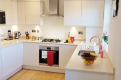 7 kitchen Twickenham serviced apartment Newland 5