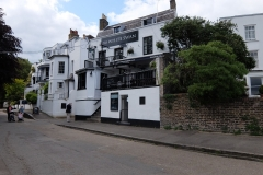 31 Twickenham White Swan, a 8 min walk to Wharf House