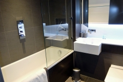 5 bathroom shower 1 bed Twickenham Wharf 23