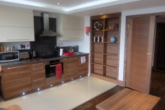 1 kitchen 2 bed Watford serviced apartments