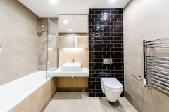 7 family bathroom straight on Wembley Serviced Apartments